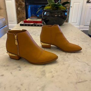Circus by Sam Edelman Holt Carmamel Ankle Boot 7.5